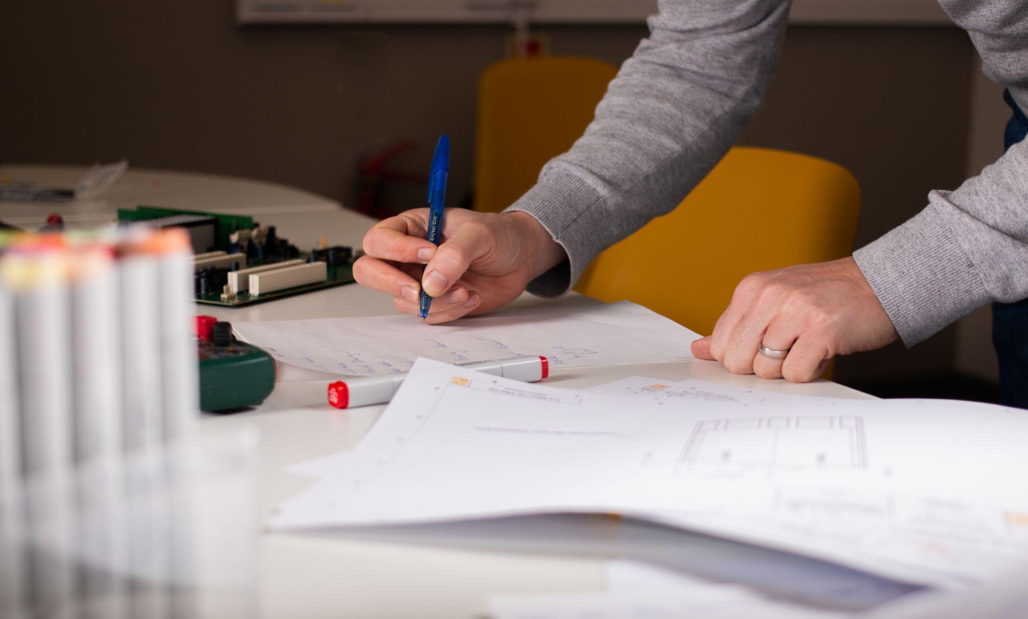 Product design and development tolerance analysis